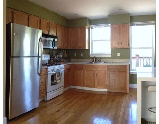- 3Br/2Ba -  for Sale in Chelsea