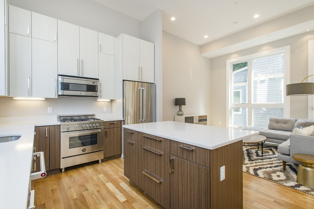 $729,000 - 3Br/3Ba -  for Sale in Boston