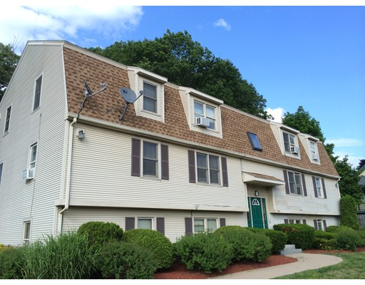 Casa Multifamiliar por un Venta en 2400 PROVIDENCE ROAD Northbridge, Massachusetts 01534 Estados Unidos