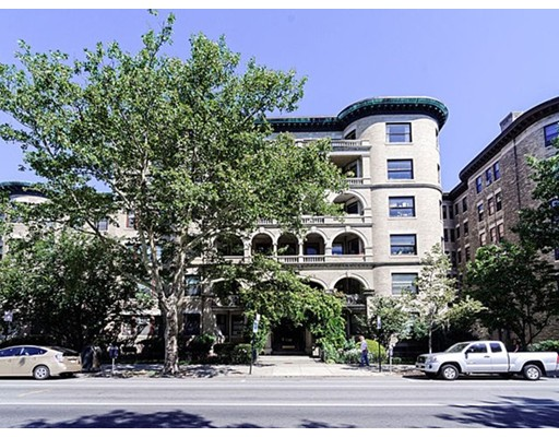 Property for sale at 1080 Beacon St Unit: 6D, Brookline,  MA 02446