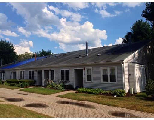16  Mary Dyer Ln,  Easton, MA