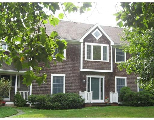 3  Leeward Ln,  Dartmouth, MA