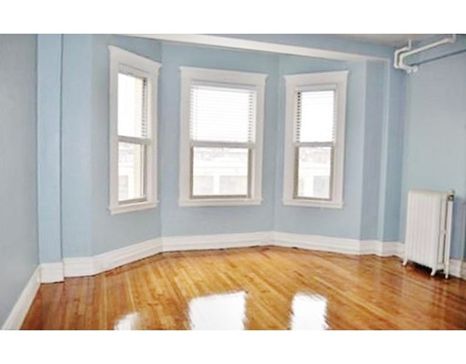 Additional photo for property listing at 270 Huntington Avenue 270 Huntington Avenue Boston, Massachusetts 02115 États-Unis