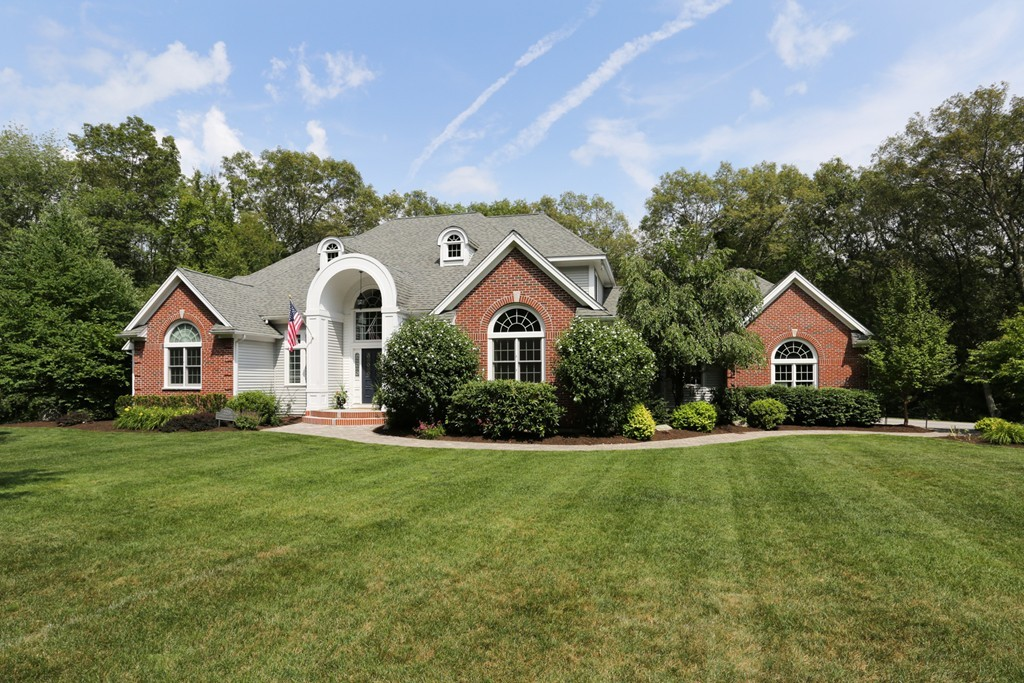 $950,000 - 4Br/5Ba -  for Sale in Holliston