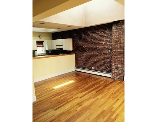 Townhome / Condominium للـ Rent في 248 Hampshire 248 Hampshire Cambridge, Massachusetts 02139 United States
