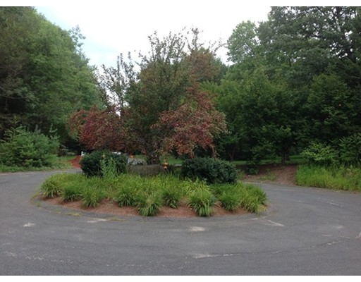 Additional photo for property listing at 5 Stage Coach Road  Southwick, Massachusetts 01077 United States