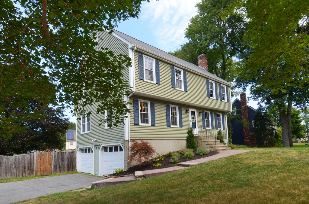 Property for sale at 17 Independence Rd, Bedford,  MA 01730