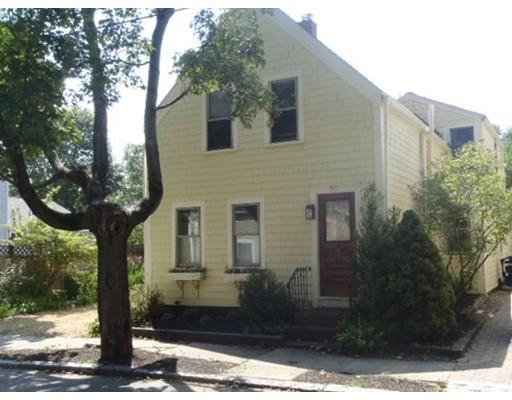 30  Hancock St,  Newburyport, MA