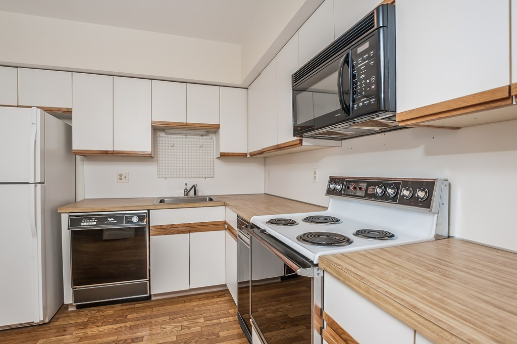 9 brigantine ln 9 quincy ma 02171 marina bay jack for Perfect kitchens quincy