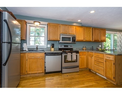 70 shennen st quincy ma 02169 in norfolk county mls for Perfect kitchens quincy