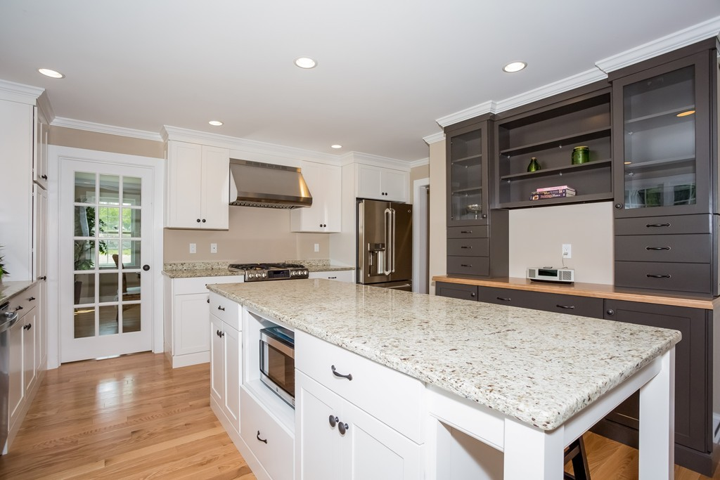 $799,000 - 2Br/3Ba -  for Sale in Hingham