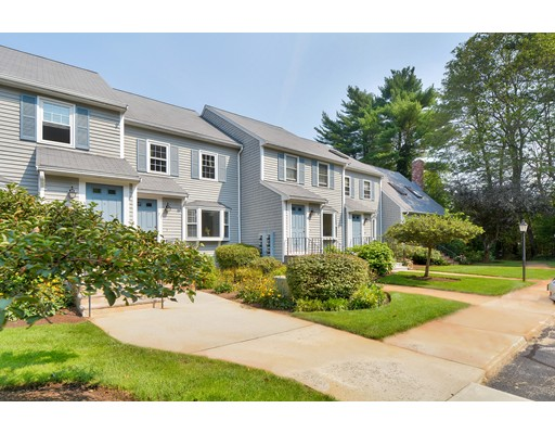 71  Village St,  Easton, MA