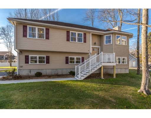 4  Ferry Road,  Salisbury, MA