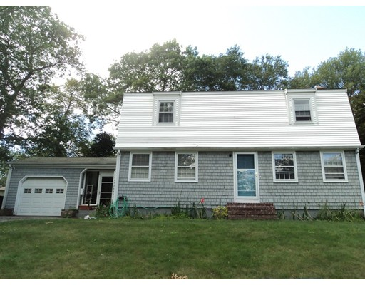 95  Forestdale Dr,  Somerset, MA