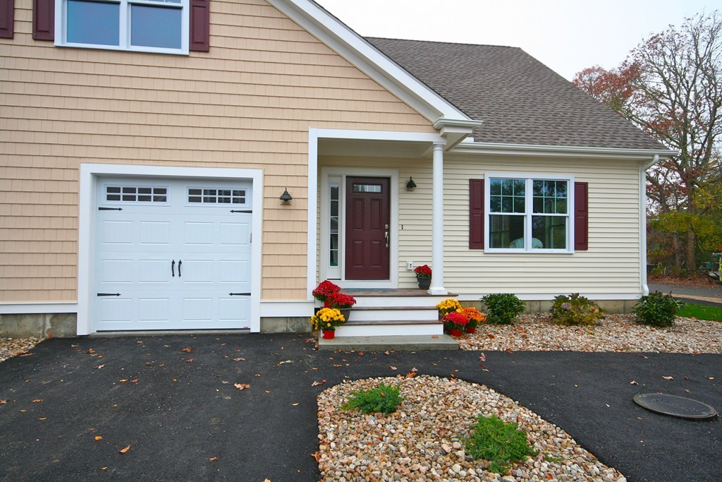 $399,999 - 3Br/2Ba -  for Sale in Falmouth