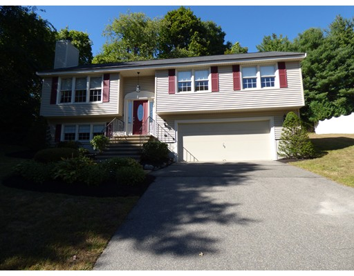 2  Meadowview Rd,  Peabody, MA