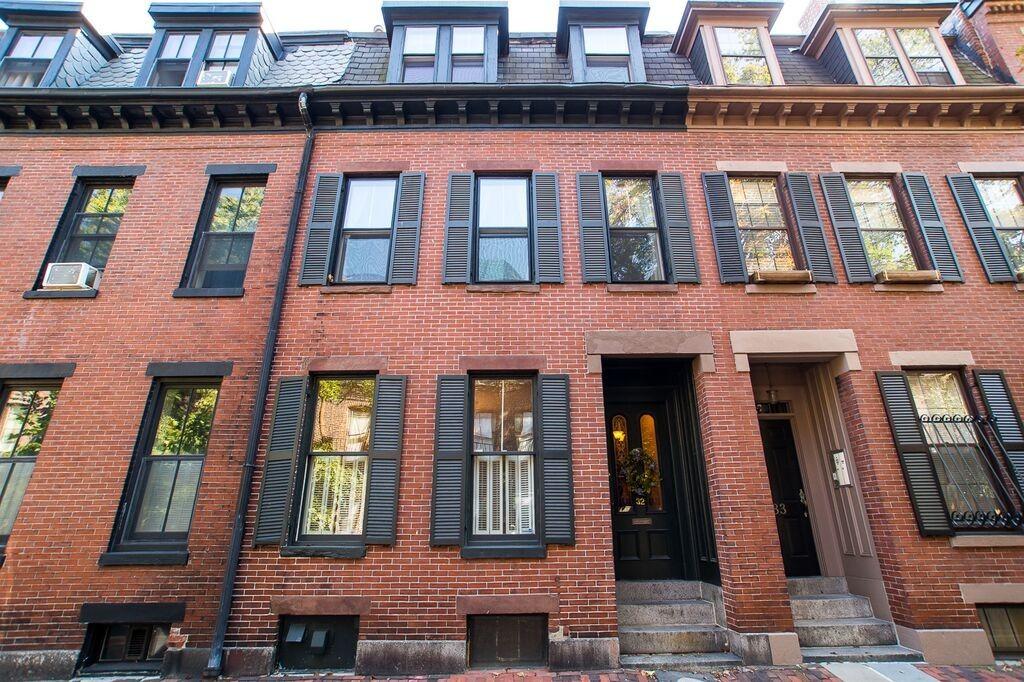 $1,795,000 - 3Br/2Ba -  for Sale in Boston