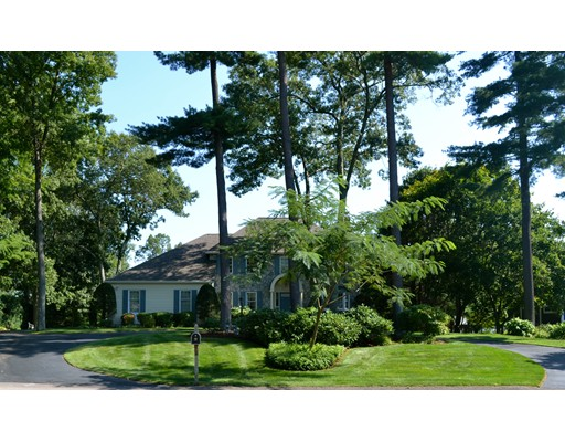70  Oak Pt,  Wrentham, MA