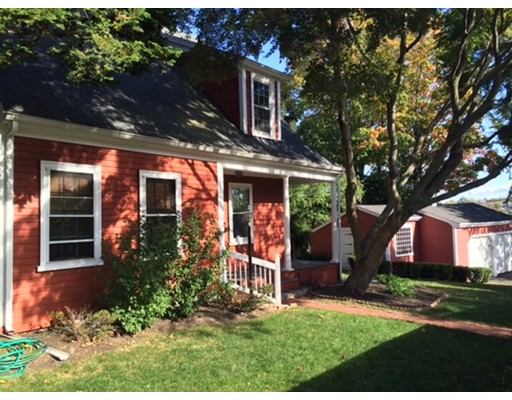122 Dixwell Ave, Quincy, MA 02169