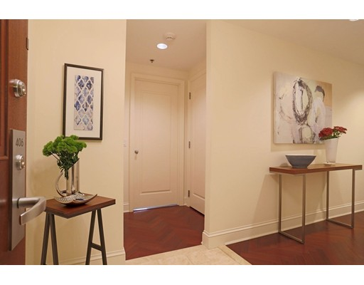 Condominium/Co-Op for sale in One Charles Condominiums, 406 Back Bay, Boston, Suffolk