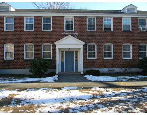 467  Cold Springs,  West Springfield, MA