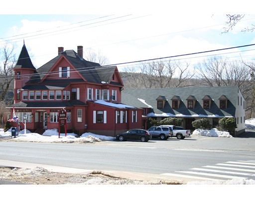 Comercial por un Venta en 42 West Main Street Stafford, Connecticut 06076 Estados Unidos