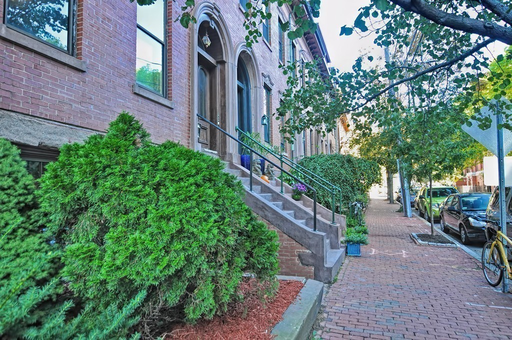$724,999 - 1Br/2Ba -  for Sale in Cambridge