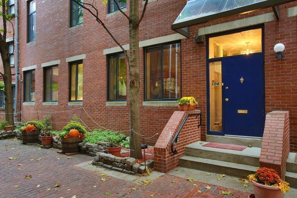 $525,000 - 1Br/1Ba -  for Sale in Boston