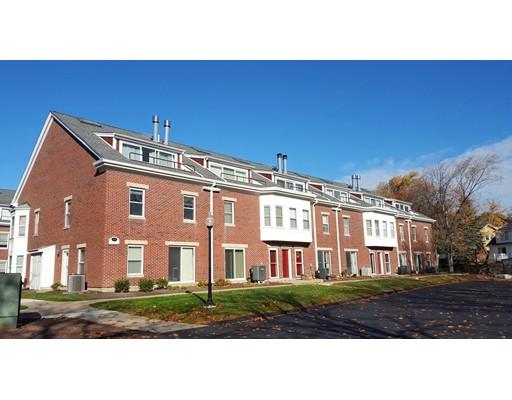 152 Quincy Shore Dr 12, Quincy, MA 02171