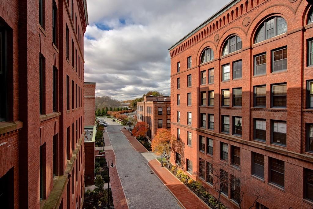 $800,000 - 2Br/3Ba -  for Sale in Boston