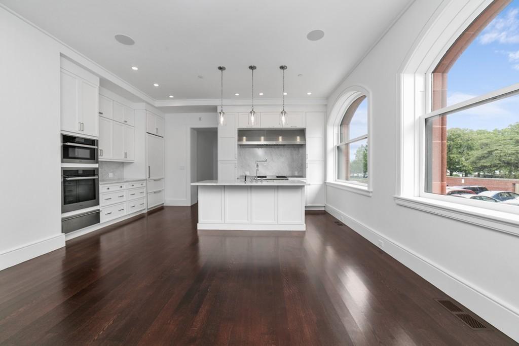 $4,500,000 - 2Br/3Ba -  for Sale in Boston