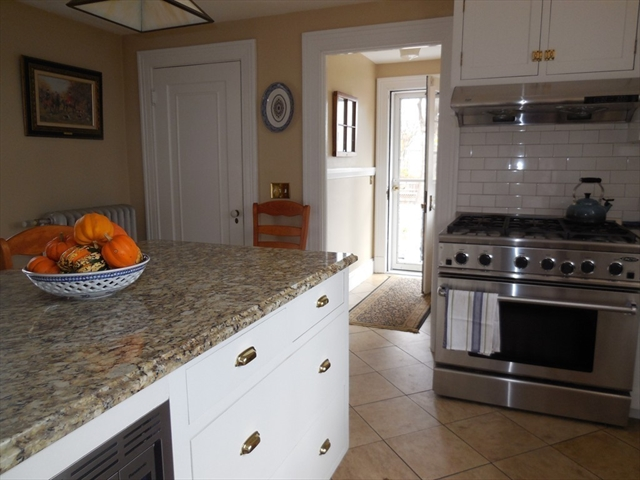 Photo #16 of Listing 1450 Northampton