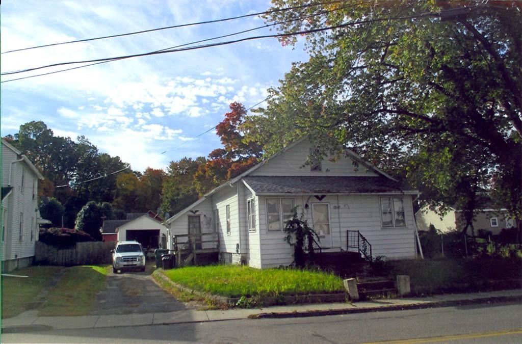 17 Britton Street Chicopee Ma 01020 In Hampden County Mls