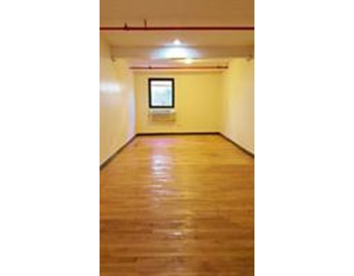Additional photo for property listing at 33 Dover Street 33 Dover Street Brockton, マサチューセッツ 02301 アメリカ合衆国