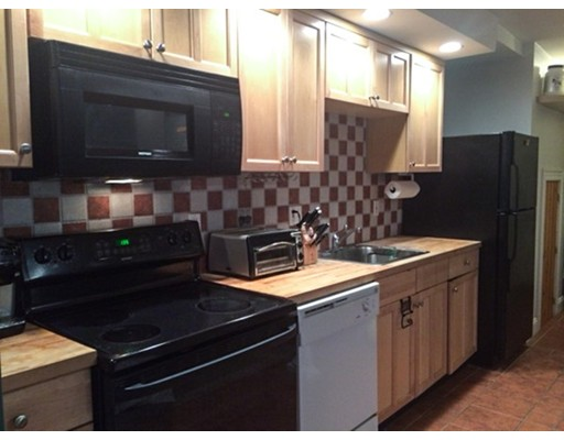 Additional photo for property listing at 495 East 7th Street 495 East 7th Street Boston, Массачусетс 02127 Соединенные Штаты