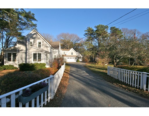Additional photo for property listing at 877 Shore Road  Bourne, Massachusetts 02559 Estados Unidos