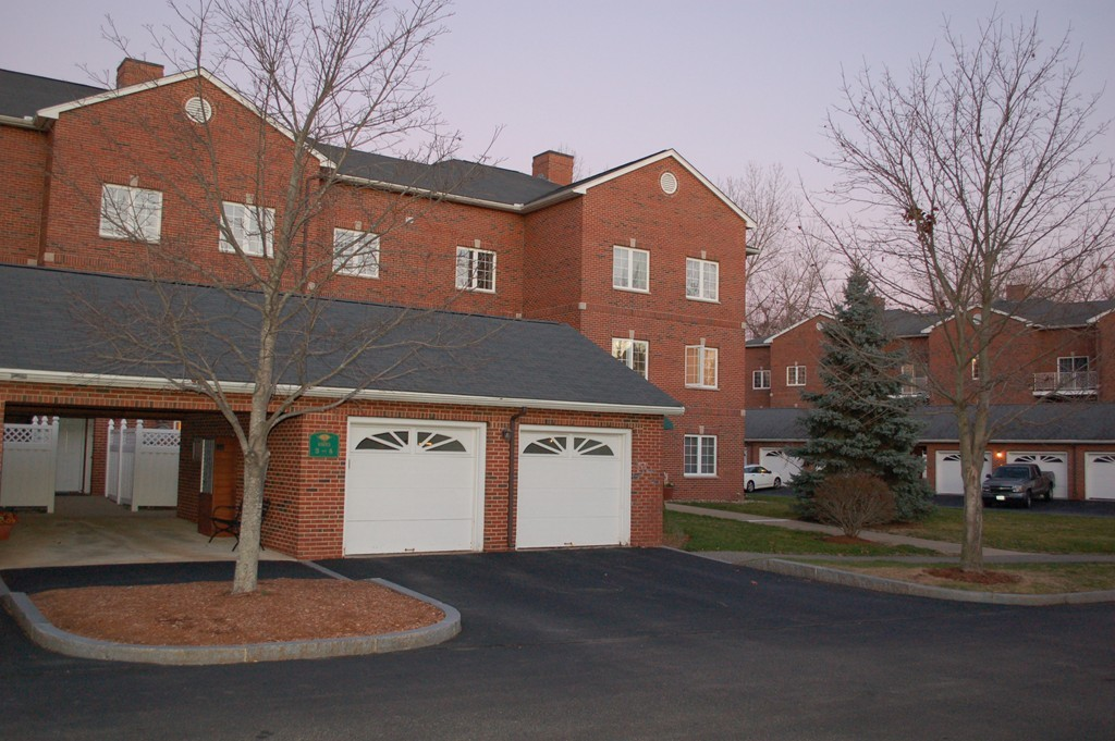 $462,500 - 2Br/2Ba -  for Sale in Winchester
