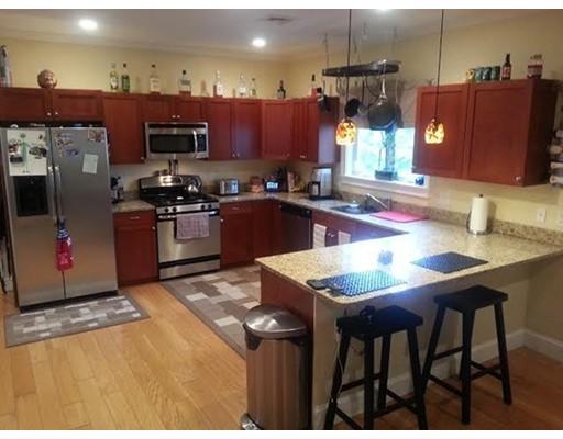 共管式独立产权公寓 为 出租 在 105 School St. #0 105 School St. #0 Lowell, 马萨诸塞州 01854 美国
