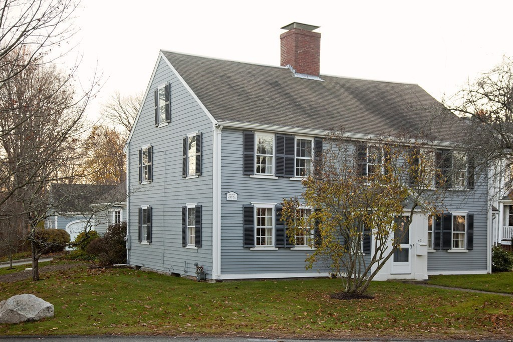 $869,000 - 3Br/2Ba -  for Sale in Hingham Centre, Hingham
