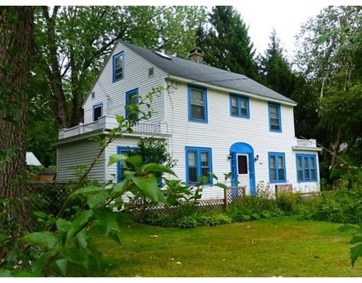 Single Family Home for Sale at 1117 North Pleasant Street 1117 North Pleasant Street Amherst, Massachusetts 01002 United States