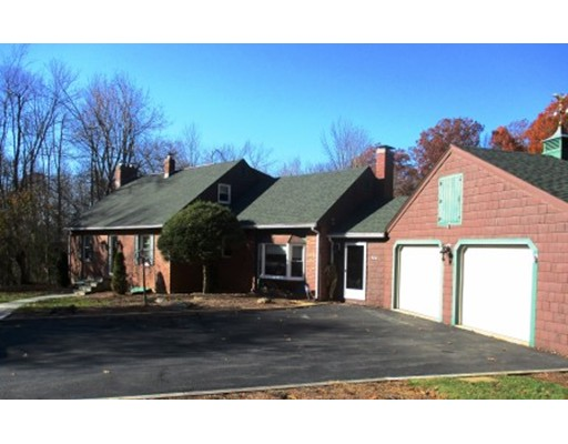 Casa Unifamiliar por un Venta en 926 Old Turnpike Road Oakham, Massachusetts 01068 Estados Unidos