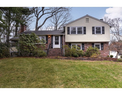 22 Hillcrest Road Medfield MA