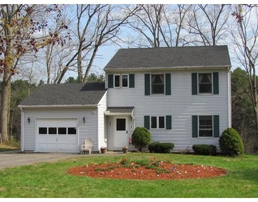 2  Bach Ln,  South Hadley, MA