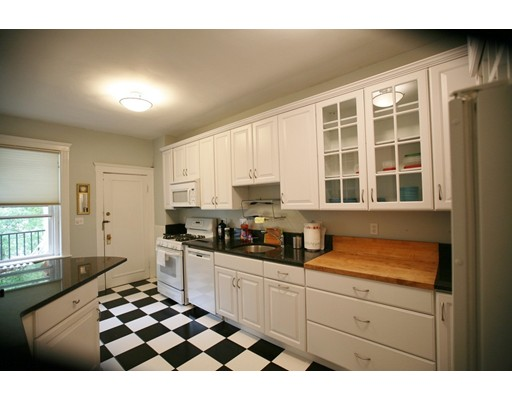 Additional photo for property listing at 14 James Street 14 James Street Brookline, Массачусетс 02446 Соединенные Штаты