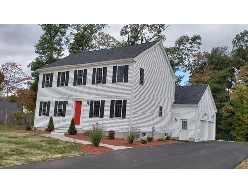 Casa Unifamiliar por un Venta en 1 Dew Drop Lane 1 Dew Drop Lane Bridgewater, Massachusetts 02324 Estados Unidos