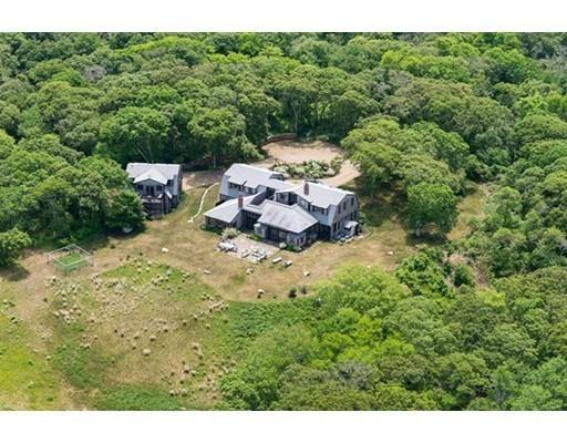 Maison unifamiliale pour l Vente à 19 Locust Lane Aquinnah, Massachusetts 02535 États-Unis