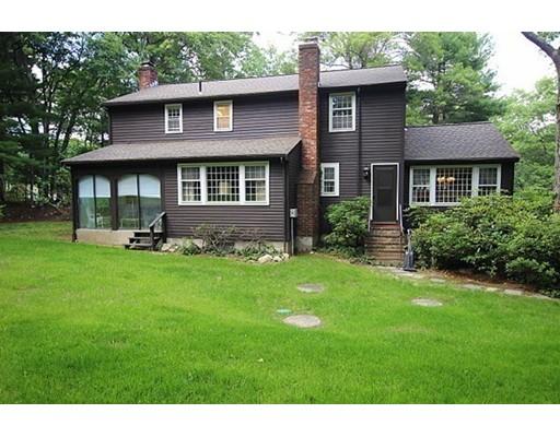 9 Oak Circle, Dover, MA, 02030