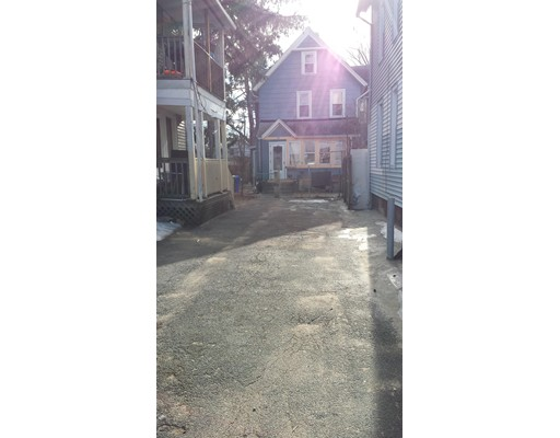 Additional photo for property listing at 61 tyler  Springfield, Massachusetts 01109 United States