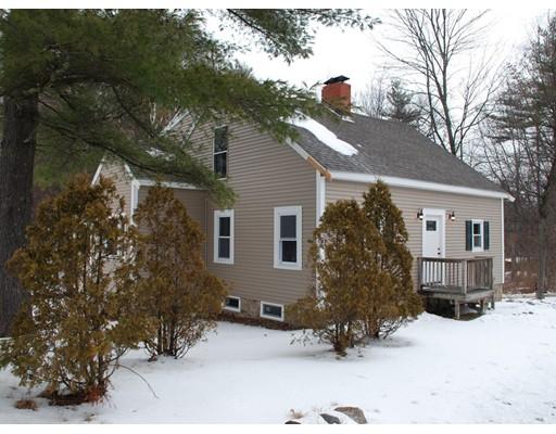 Maison unifamiliale pour l Vente à 243 Rte 101 Bedford, New Hampshire 03110 États-Unis