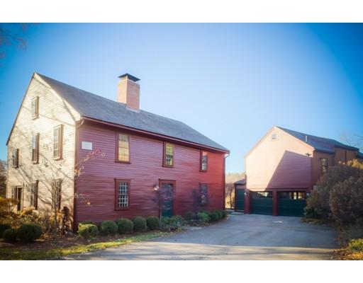 独户住宅 为 销售 在 196 Old Connecticut-private drive 韦兰, 马萨诸塞州 01778 美国